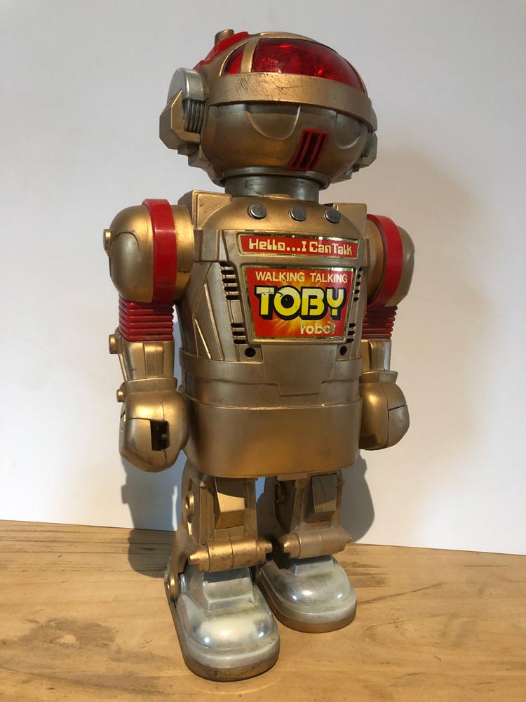 EXCLU-ROB-001 - Robot Toby 01