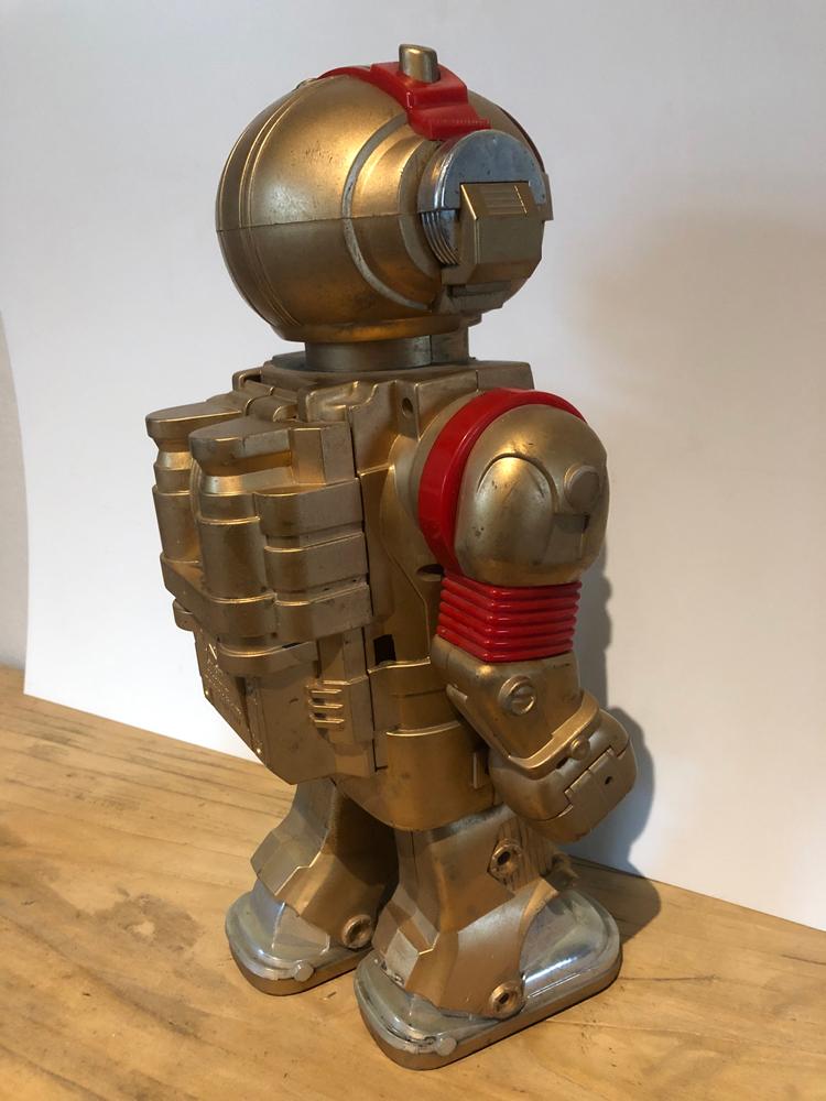 EXCLU-ROB-001 - Robot Toby 03