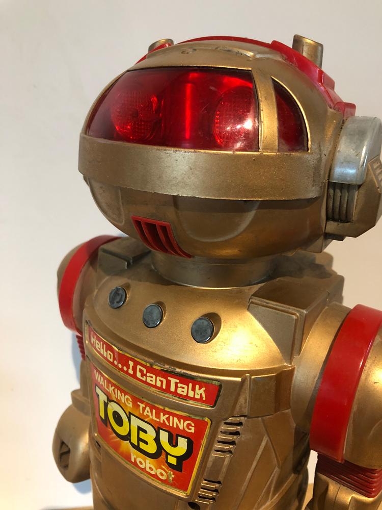 EXCLU-ROB-001 - Robot Toby 05